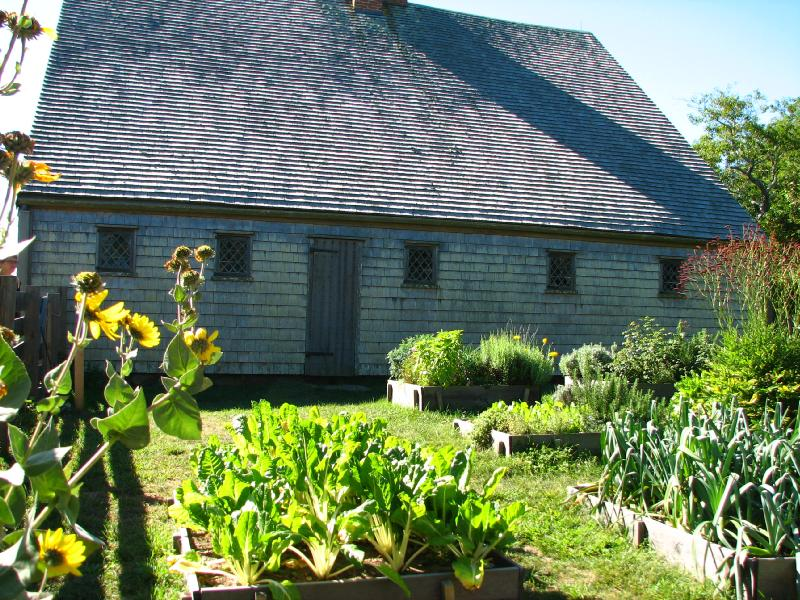 Jethro Coffin House, Kitchen Garden